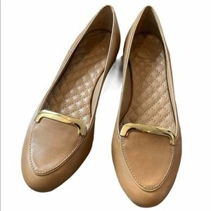 NWOT Tori Burch Tan Loafer with Gold Detail, 5m